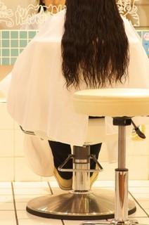 髪の乾燥対策、50代の女性の髪のうるおいを守る